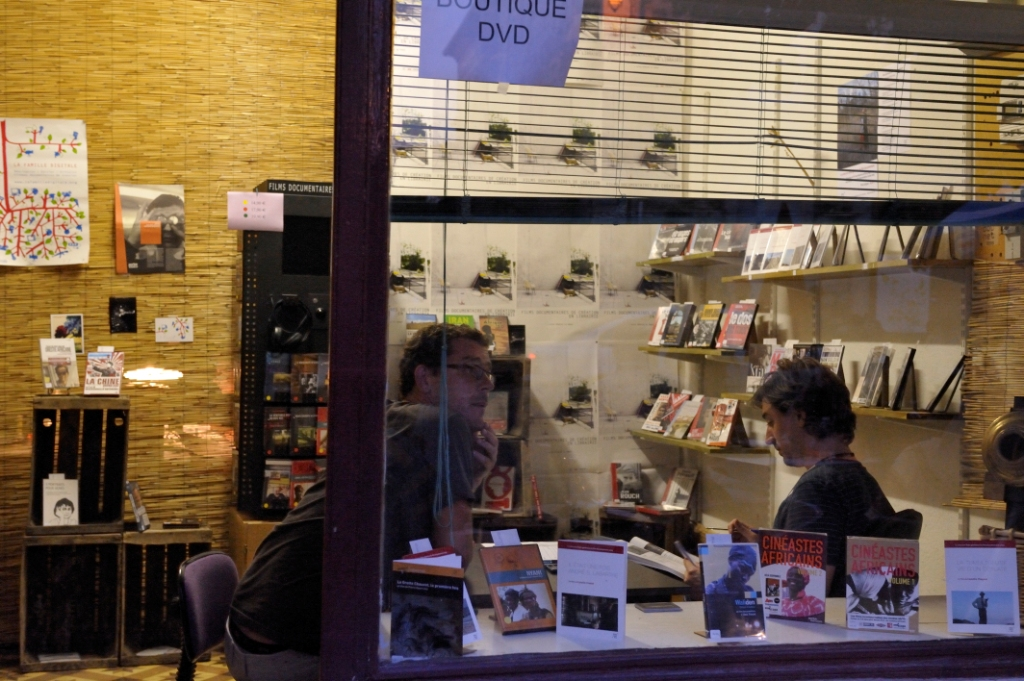 Boutique DVD Doc Net à l'Épicerie documentaire